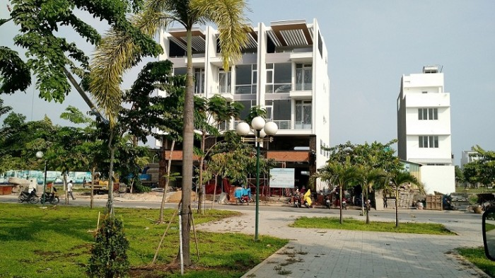 Đất ngay Trường THCS Nguyễn Thị Định, Quận 2 - Liền kề Chợ đã hoạt động 700m.