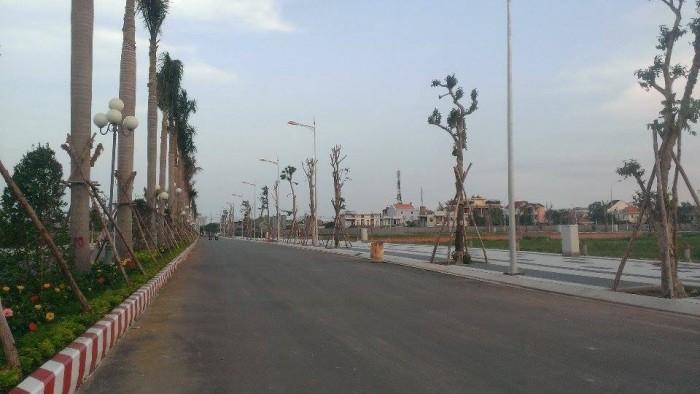 Đất ven sông Sài Gòn, cách bệnh viện Quận 2 700m, lộ giới 20m.