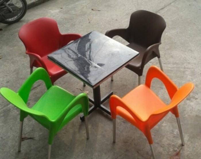 Bàn ghế cafe nhựa đúc giá rẻ nhất hàng mới..1