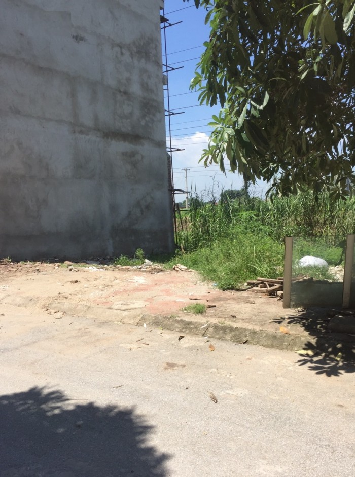 Nhà bán mảnh đất ở 50m2 – Văn La – Quận Hà Đông , có đường 8m , vỉa hè rộng