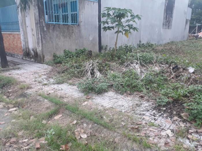 Bán đất mặt tiền đường 4 lò lu gần kho bạc quận 9DT ( 4x25m)