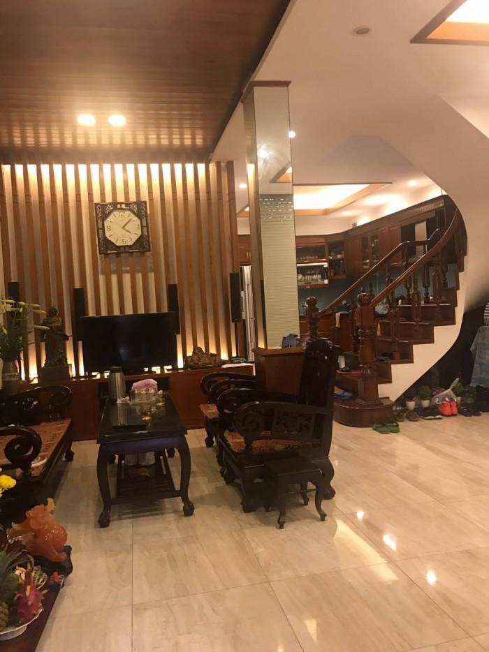 Cần bán gấp nhà mặt phố Trần Khát Chân, 82m2, 4 tầng, MT4m