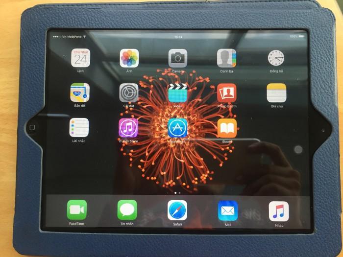 Ipad 2 wifi 3g nữ dùng hoàn hảo0