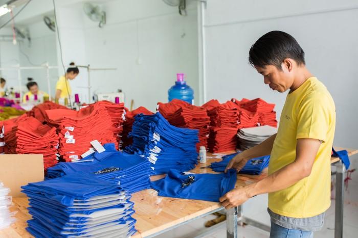 Đặt tiêu chí chất lượng luôn hàng đầu, sản phẩm may gia công đồ bảo hộ lao động từ AnnA Uniforms luôn may kỹ đẹp tiêu chuẩn.