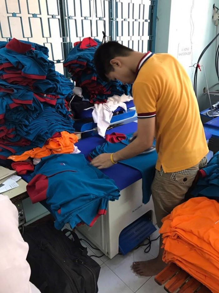 May áo thun đồng phục - Thiết kế, may mẫu, in thêu logo sắc nét với giá cả tốt nhất, giá tại xưởng giúp bạn lấy sỉ quần áo với mức giá thấp nhất, rẻ nhất.