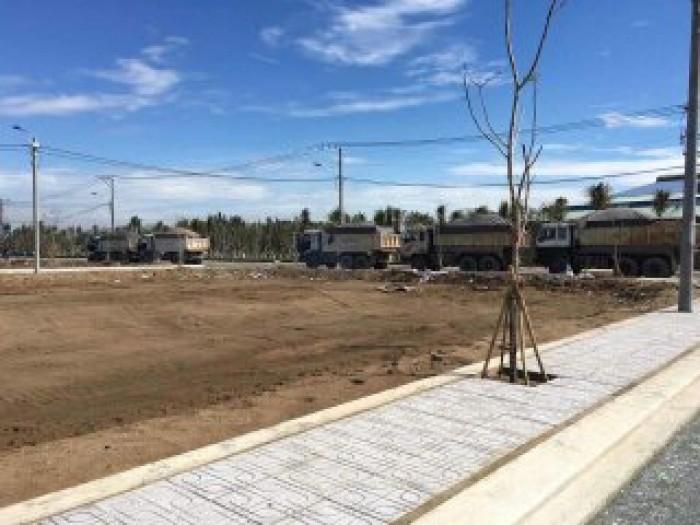 Cần tiền bán gấp lô đất 64m2 Thổ Cư ngay đường Lò Lu phường Trường Thạnh