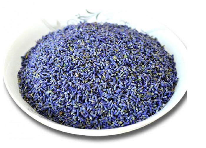 Hoa khô Lavender còn được gọi là hoa Oải Hương vốn nổi tiếng ở miền nam nước Pháp. Nhưng có nguồn gốc từ miền Địa Trung Hải.