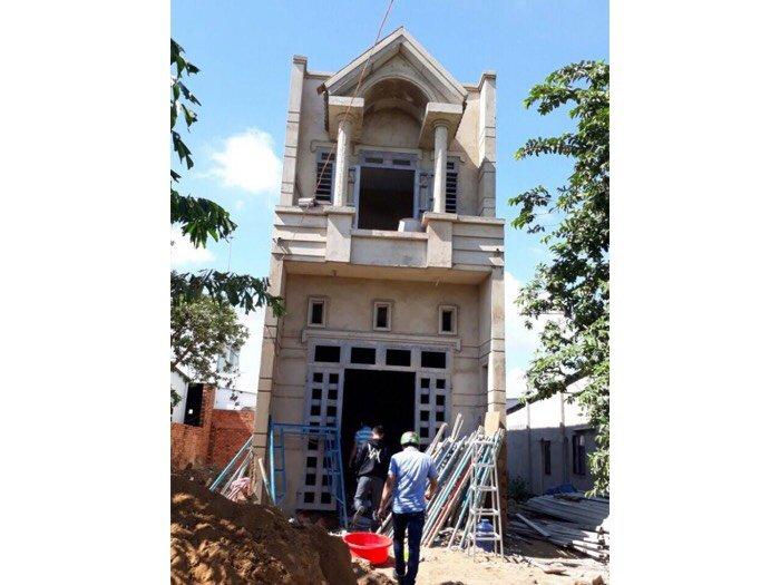 Bán nhà mới đang xây ơ TL9, có sổ hồng riêng