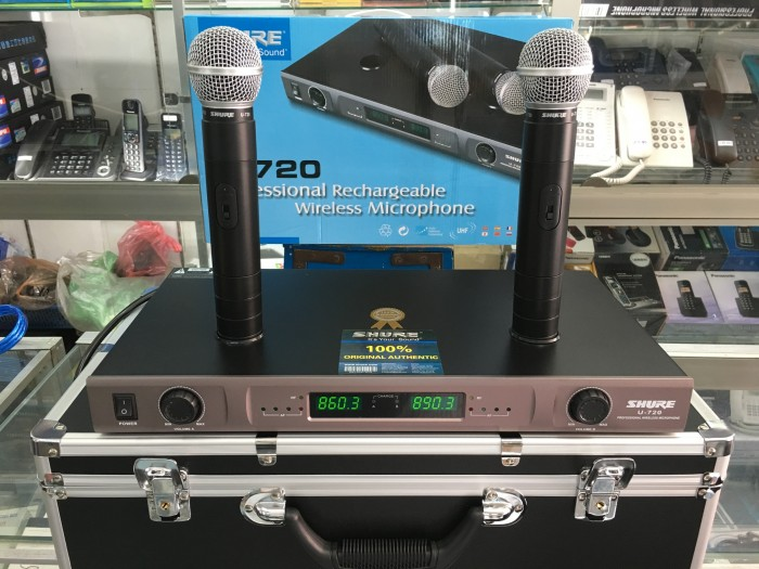 Micro không dây Shure sạc U720 bộ 2 micro cắm sạc trực tiếp trên đầu thu sóng0