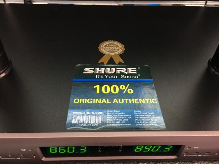 Micro không dây Shure sạc U720 hàng nhập 100%, mới 100% Điện Máy Hải bán có bảo hành 1 năm3