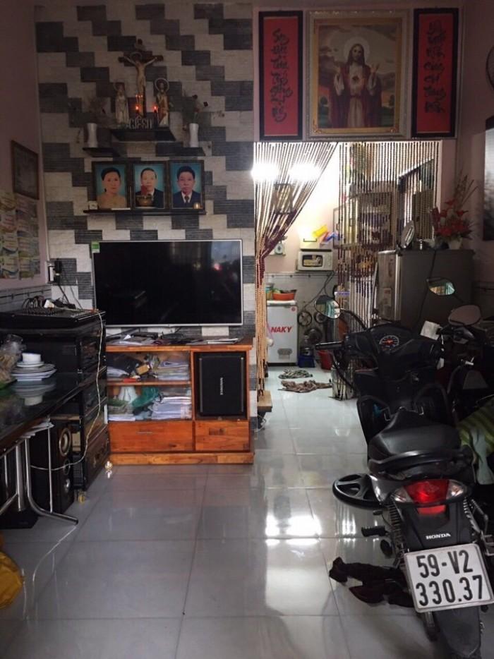 Bán nhà mặt tiền đường số 5, phường 17, quận Gò Vấp, 3,3 x 15m, cấp 4