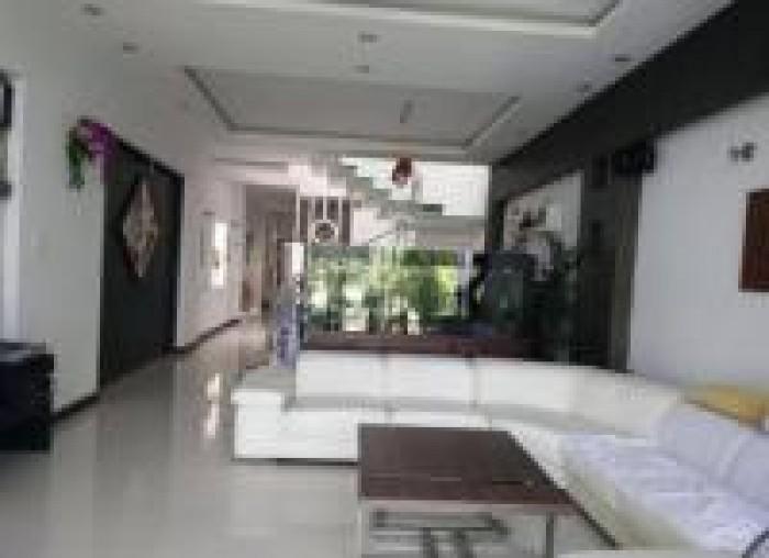 Bán Nhà Mặt Tiền Nguyễn Du, Quận 1, DT: 13x38m