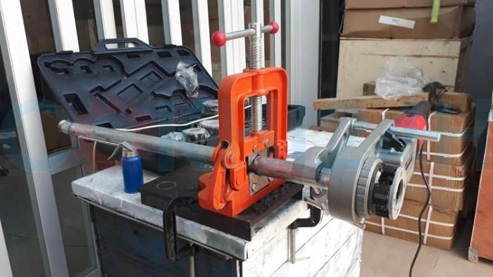 Máy ren ống di động cầm tay SQ30-2B3