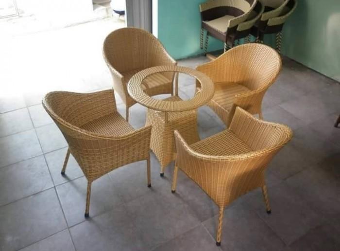 Bàn ghế  Cty chúng tôi chuyên cung cấp các loại bàn ghế cafe0