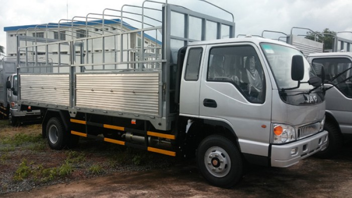 Xe tải JAC HFC1083K- 6 tấn, động cơ mạnh mẽ, tải trọng cao