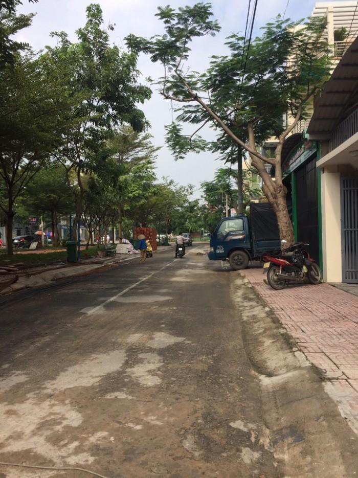 Cho thuê mặt bằng mặt tiền đường Lê Thị Riêng, phường Thới An, quận 12