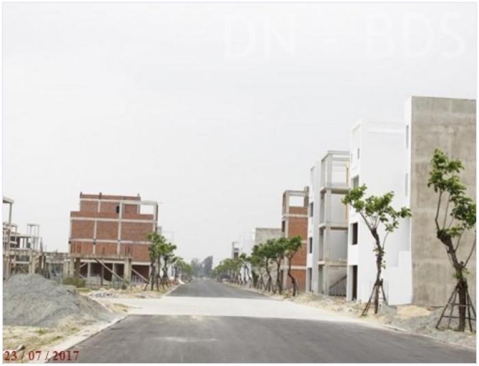 Bán GẤP đất ngay Nhà Hàng Đệ Nhất - Q2. Mặt tiền Đại lộ 60m