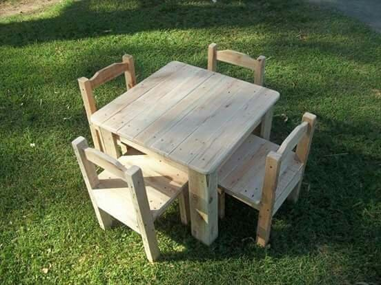 Bộ bàn ghế gỗ mini giá rẻ nhất3