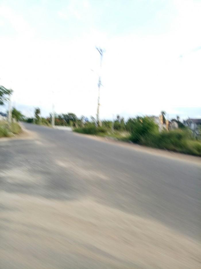 Chủ cần bán gấp lô đất đường Lê Huy Cát 200m2 .