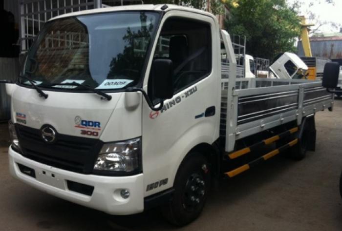 Xe tải ISUZU 2.15 tấn thùng kín