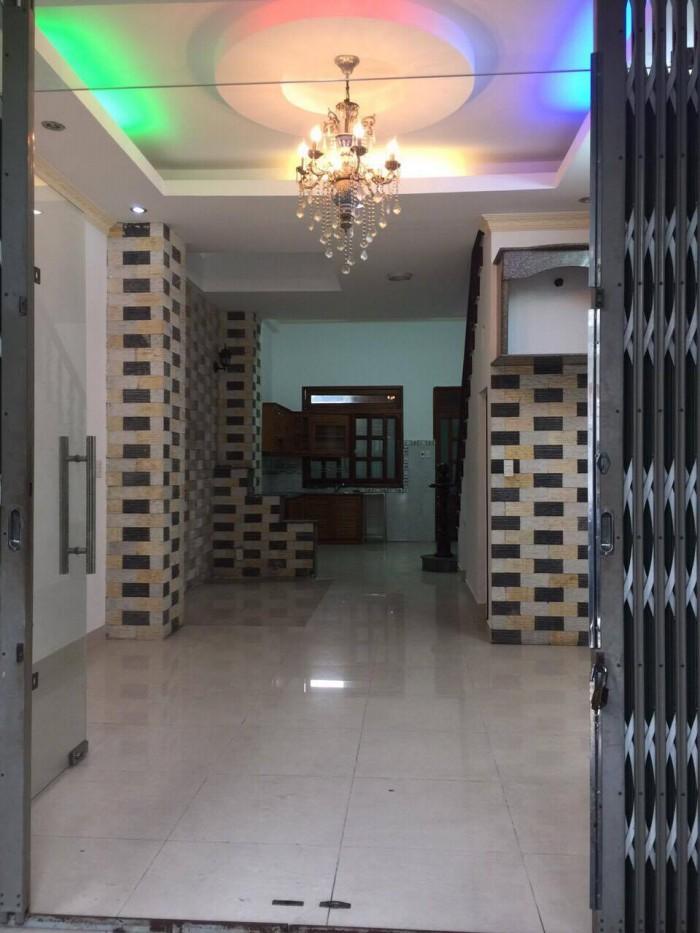 Bán gấp nhà 1 trệt 2 lầu cách Nguyễn Thị Định 15m,đường ô tô