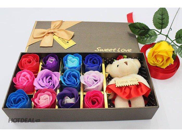 Hoa hồng sáp thơm 12 bông kèm gấu3