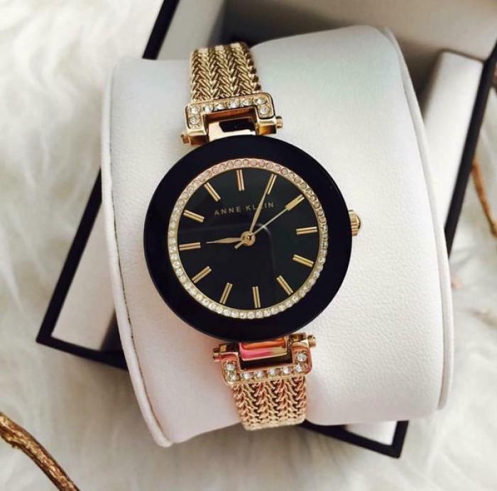 Đồng hồ nữ Anne Klein0