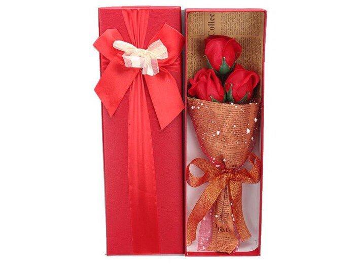 Hoa hồng sáp 3 bông I love you2