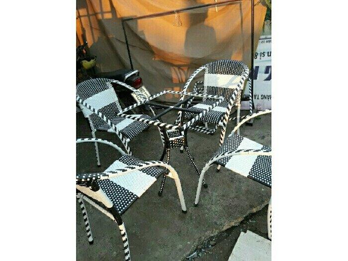 Bàn ghế cafe giá rẻ nhất thị trường0