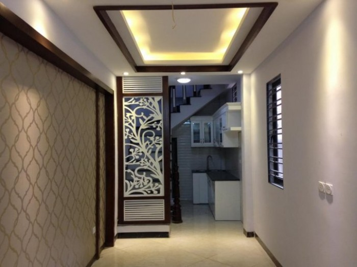 Bán nhà ngõ 34 Vĩnh Tuy Hà Nội 34m2x5 tầng cực đẹp ô tô đỗ cổng