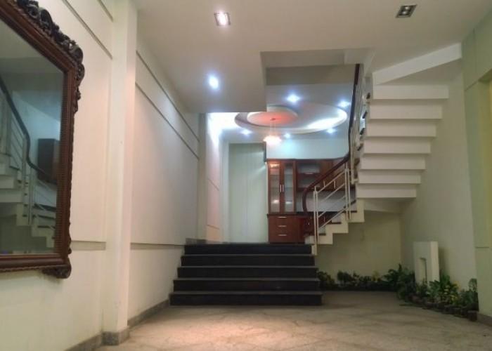 Nhà Mặt tiền Nguyễn Thị Diệu, P.6, Quận 3, DT: 10x31m