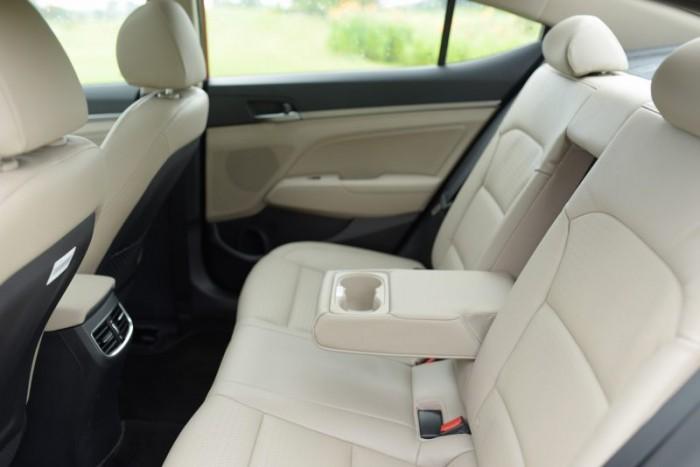 Hyundai Elantra 2017, Ưu đãi cực lớn lên đến 90Tr