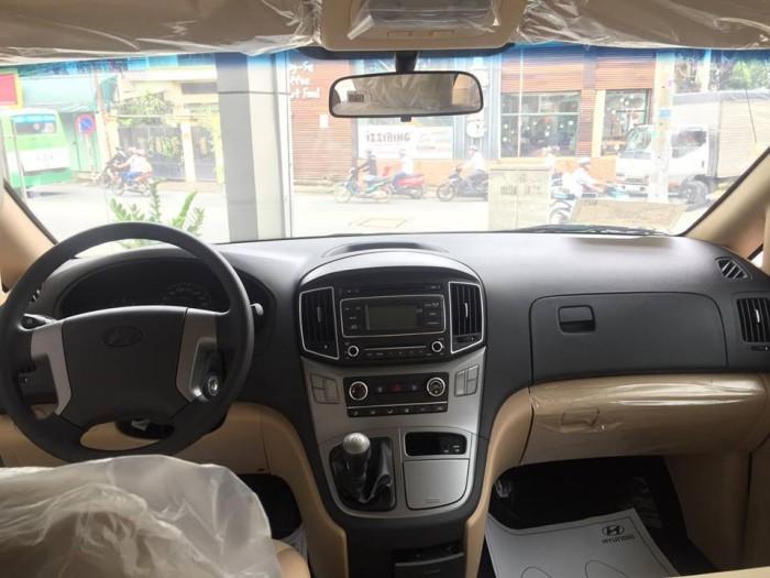 Hyundai Starex 9 chỗ ưu đãi lớn trong tháng 10