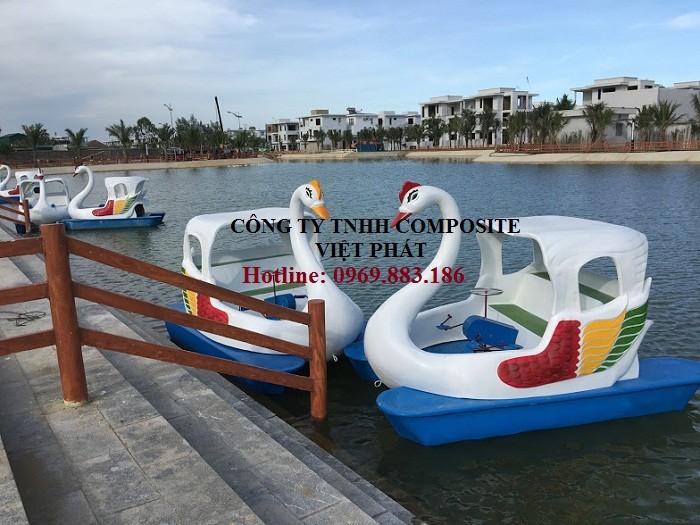 Thiên nga đạp nước: được thả tại các hồ lớn , khu vui chơi giải trí để kinh doanh.5