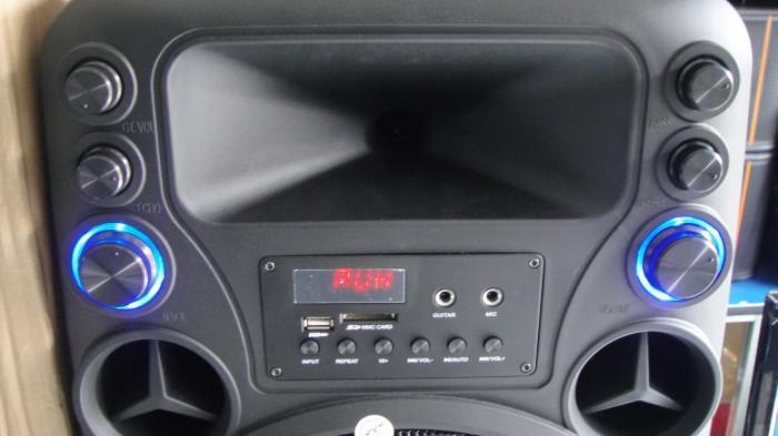 Loa kéo Caliana TO 12B thiết kế Volume sáng đèn, LCD mặt trước rõ nét3