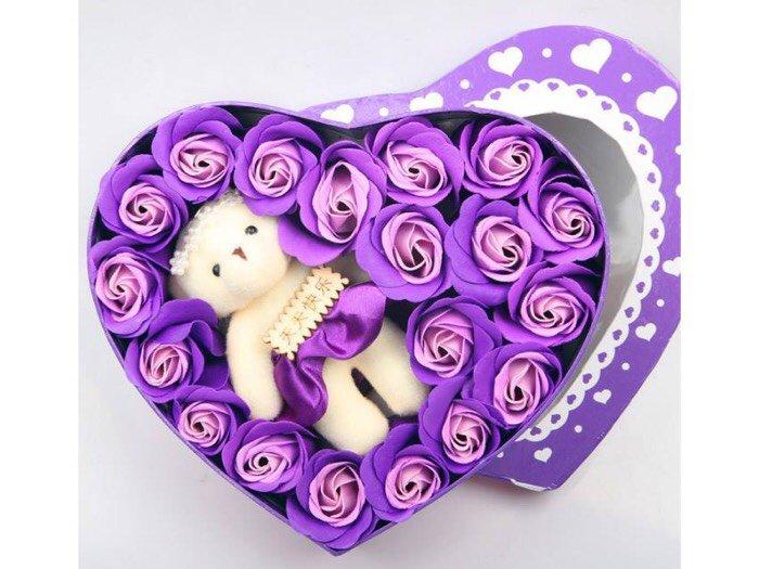 Hoa hồng sáp 17 bông kèm gấu trái tim3
