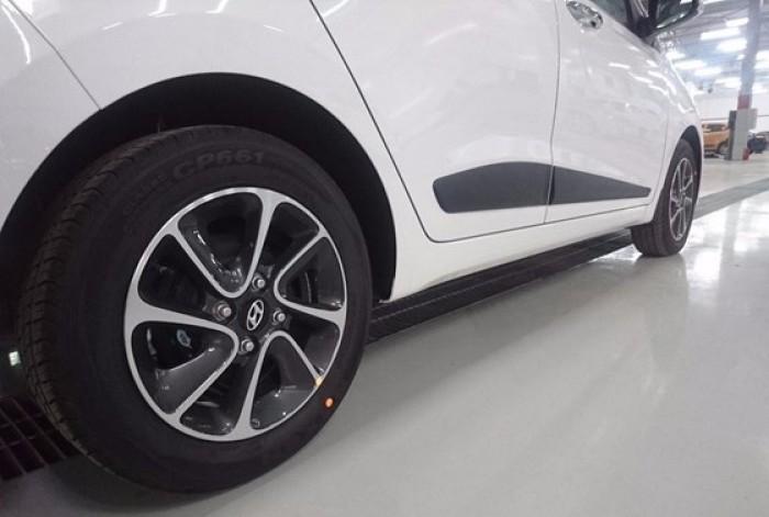 LAZANG DIAMOND CUT Grand i10 sở hữu bộ lazang hợp kim kích cỡ 14 inch Diamond cut, tạo nên vẻ cá tính và thời trang cho chiếc xe và chủ sở hữu