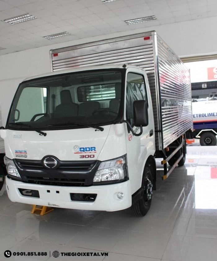 Xe tải HINO 5.4 tấn thùng lửng chất lượng Nhật Bản