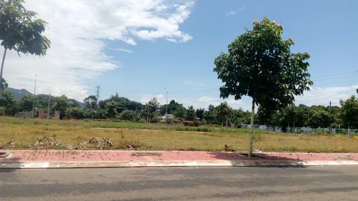 Đất mặt tiền đường Quách Điêu tp Bà Rịa SHR
