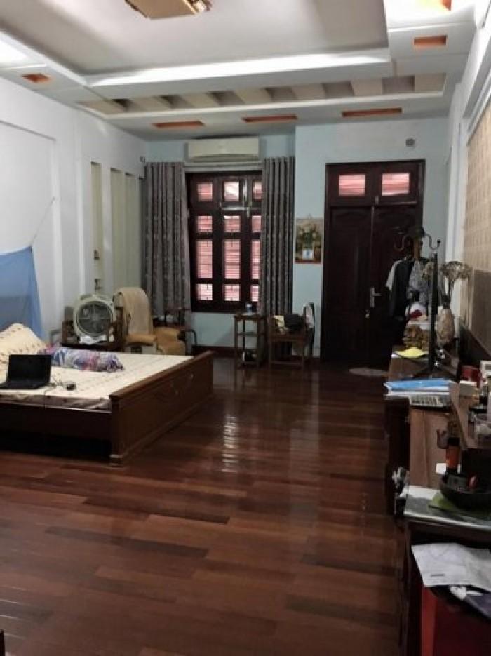 Bán nhà phố Đội Cấn – Ba Đình, 3 MT, 33m2 x 6T, MT 4.8m