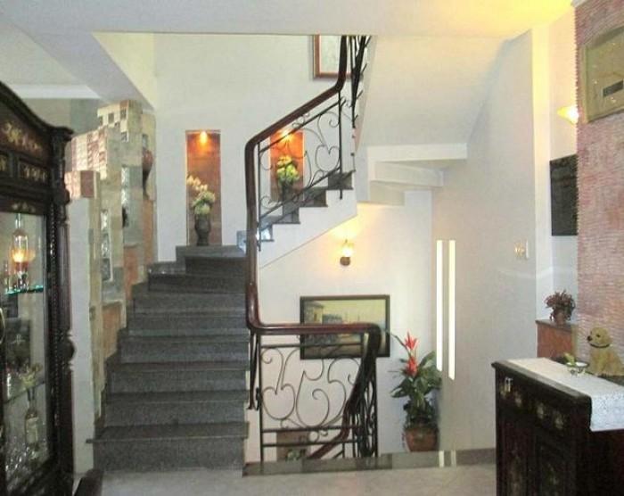 Cần tiền bán gấp nhà MẶT TIỀN Cao Thắng P3 Quận 3 DT: 4x19m 3 lầu giá cực tốt hiện nay