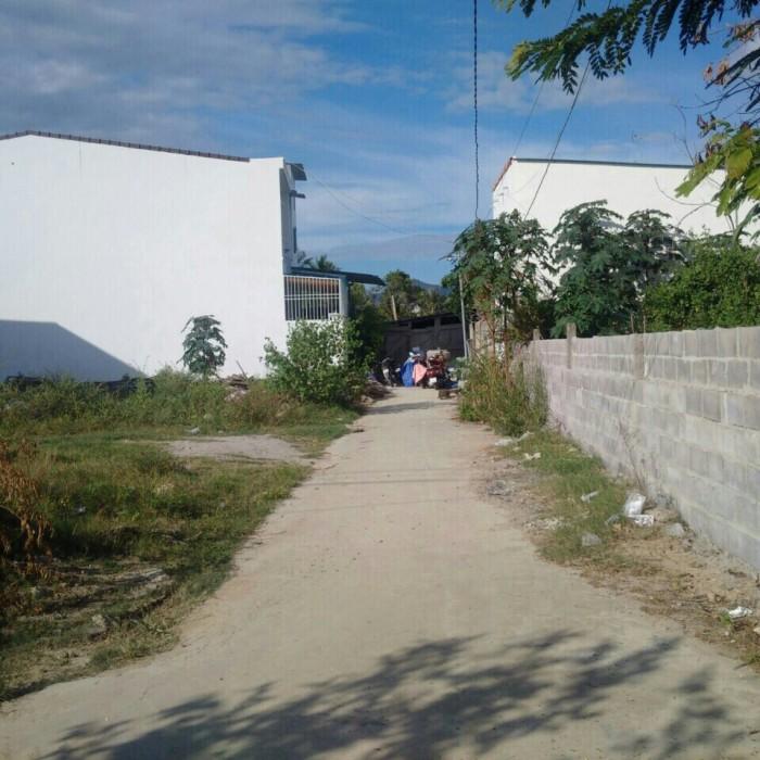 Cần bán gấp lô đất 2 mặt hẽm 6m Phú Nông, sát khu đô thị Vĩnh Điềm Trung.