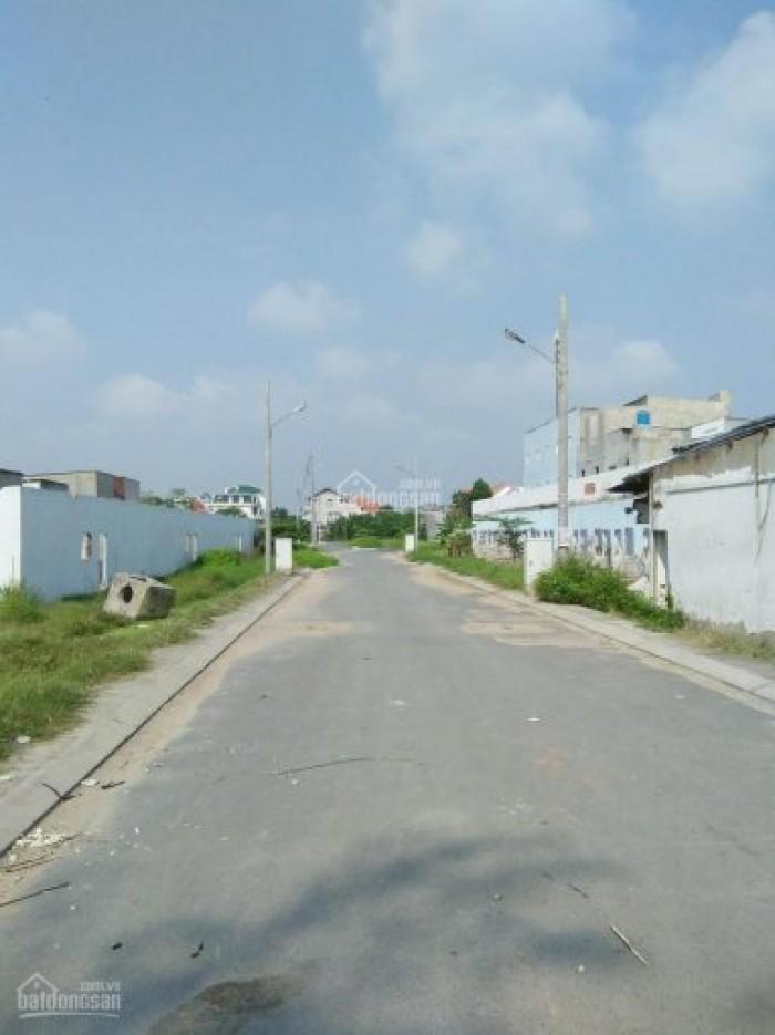 Bán đất tại đường Lã Xuân Oai Q9, DT: 70-90m2, giá: 15tr/m2, SHR