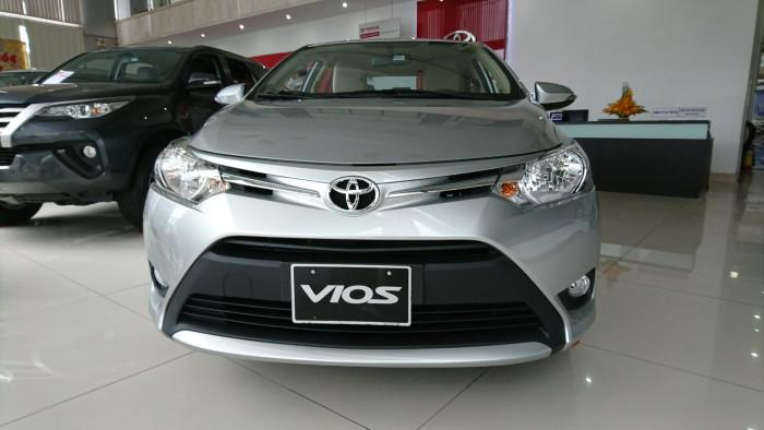 Toyota Vios 1.5E MT 2018 giá tốt nhất TPHCM, trả trước 10% nhận xe ngay