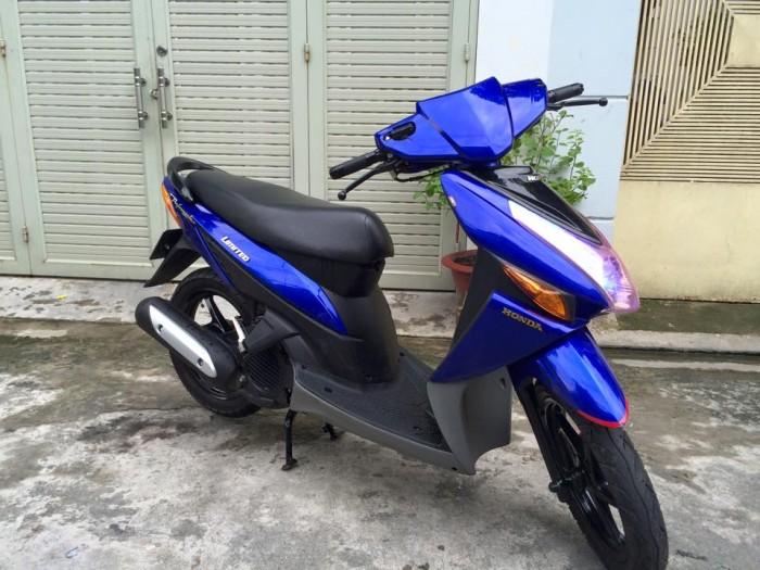 Honda Click , nguyên thủy, 1 chủ,màu xanh, máy êm