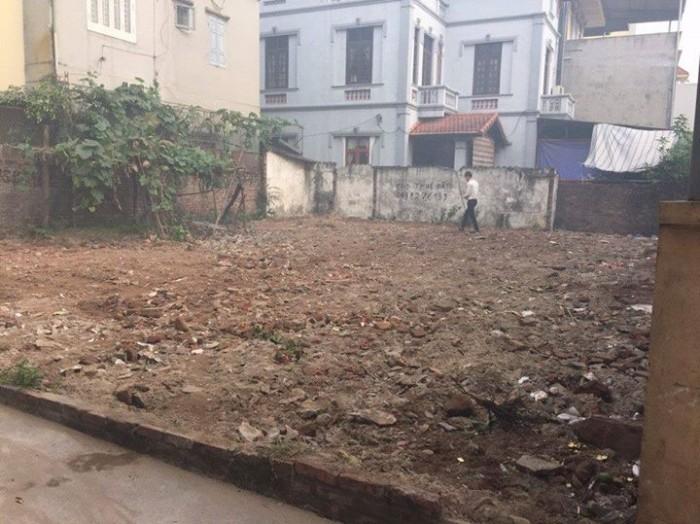 Bán đất 57m2 ở thôn Hội -Cổ Bi, ô tô vào tận nhà.