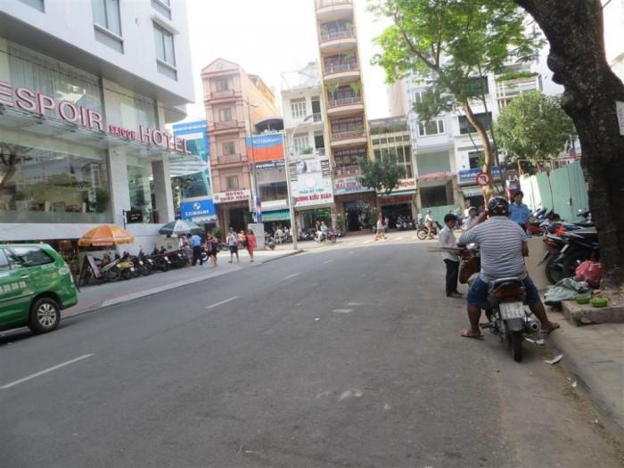 Bán gấp Nhà MT Lê Anh Xuân, P. Bến Thành, quận 1, DT: 5mx16m, xây 4 lầu