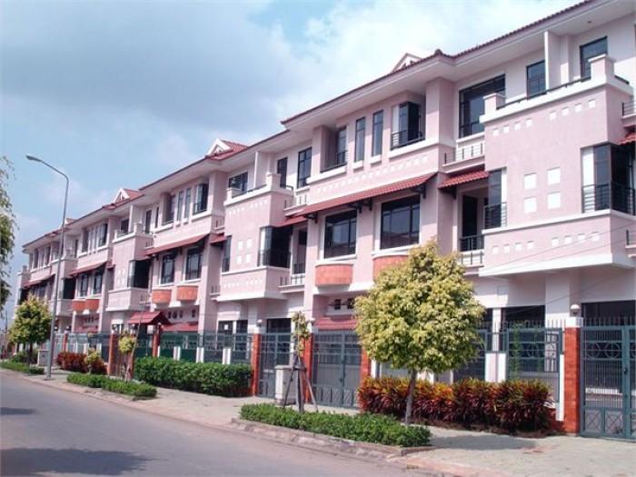 Bán gấp nhà 1 trệt 2 lầu huyện Hóc Môn