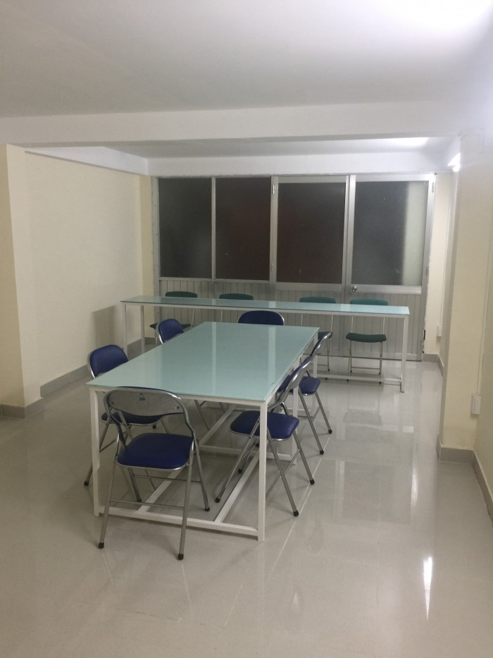 Cho thuê văn phòng tiện ích Q.8,  1 phòng tiếp khách và 1 phòng họp chung