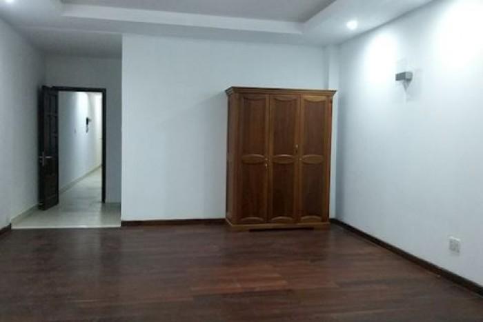 Nhà mặt tiền gần Trần Hưng Đạo, Q.1, DT: 5x21m, xây 5 lầu